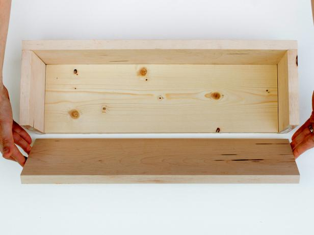 Original-Laura-Parke-Herb-Box_Assembling-Pieces_s4x3
