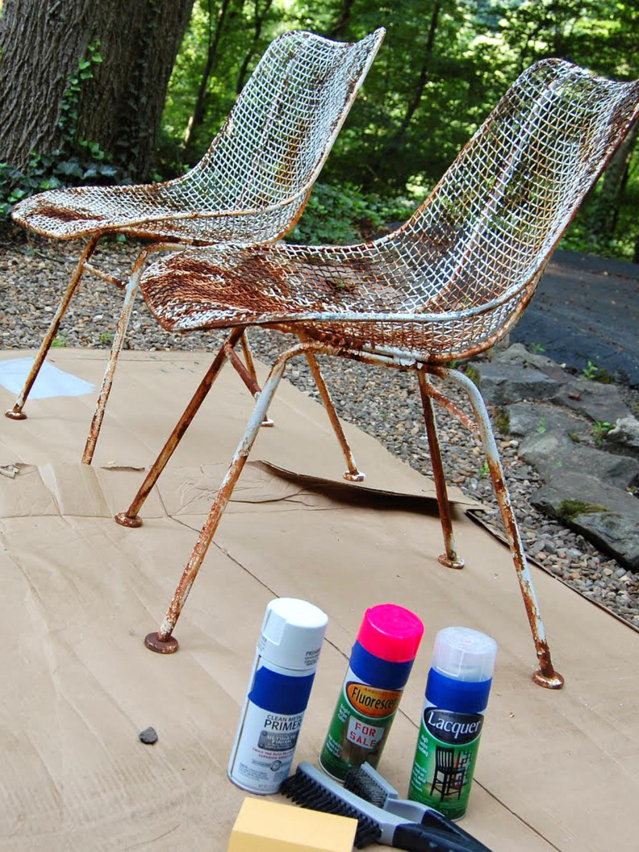 How to Paint Metal Chairs how tos