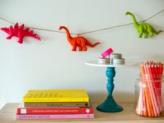 CI-Design-For-Mankind_Toy-Dino-Garland-Neon_s4x3