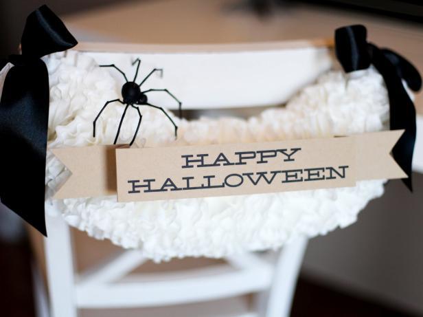 CI-Vicki-Lynn-Photography_Halloween-Chair-Back_s3x4