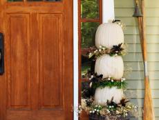 CI-Susan-Teare_Outdoor-Pumpkin-Topiary_s3x4