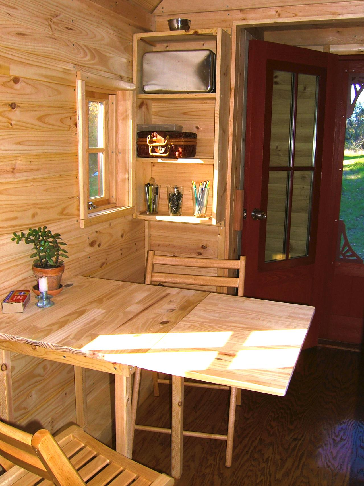 Tiny house big living smart design features from itsy for Small house furniture ideas