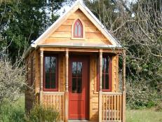 CI-Tumbleweed-Tiny_House_Gothic-wood-cottage_s4x3