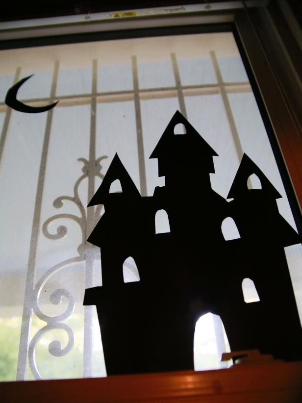 CI-Manvi-Drona_Halloween-Window-Silhouette-haunted-House_v