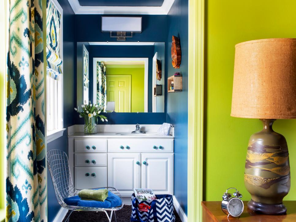 Tiny Bathrooms That Pack A Punch DIY - Tiny bathroom ideas for small bathroom ideas