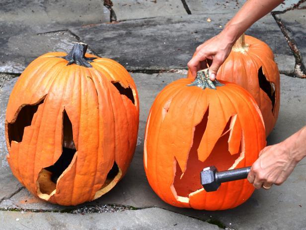 Original_pumpkin-bonfire-knock-out-flames_h