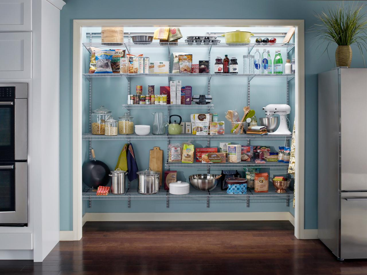 Organization and design ideas for storage in the kitchen for Kitchen closet ideas