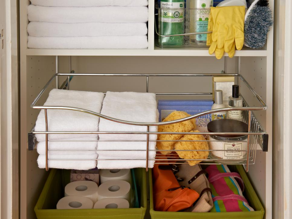 Organize Your Linen Closet and Bathroom Medicine Cabinet: Pictures With  Storage Options and Tips | DIY