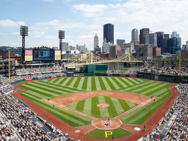 DYCR-MLB_Pittsburgh-PNC-Park-diamond_s4x3