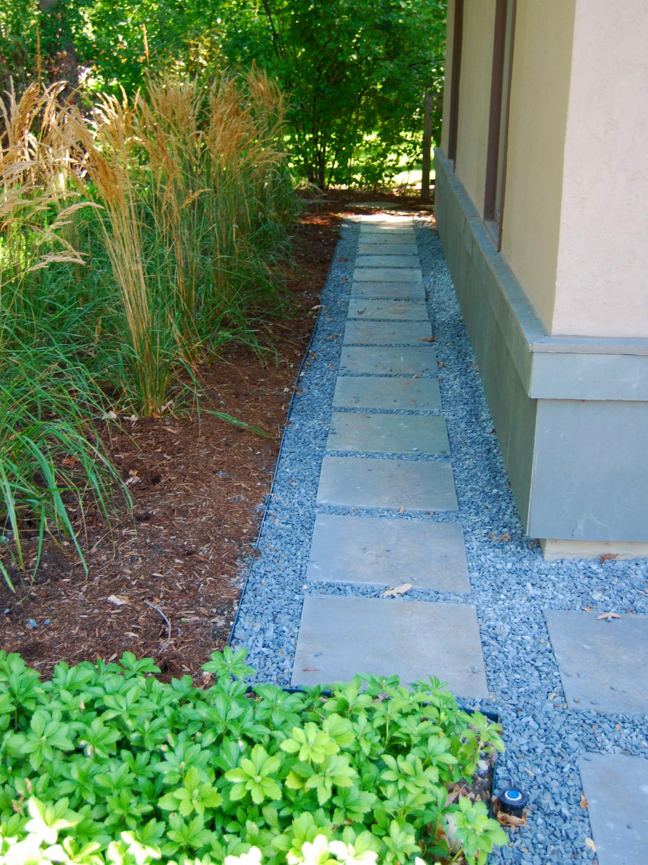 Landscaping Ideas Along Side Of House : Pictures of garden pathways and walkways diy shed pergola fence