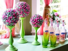 Original-Lollipop-Topiaries_Pink-lemonade-bottles_4x3