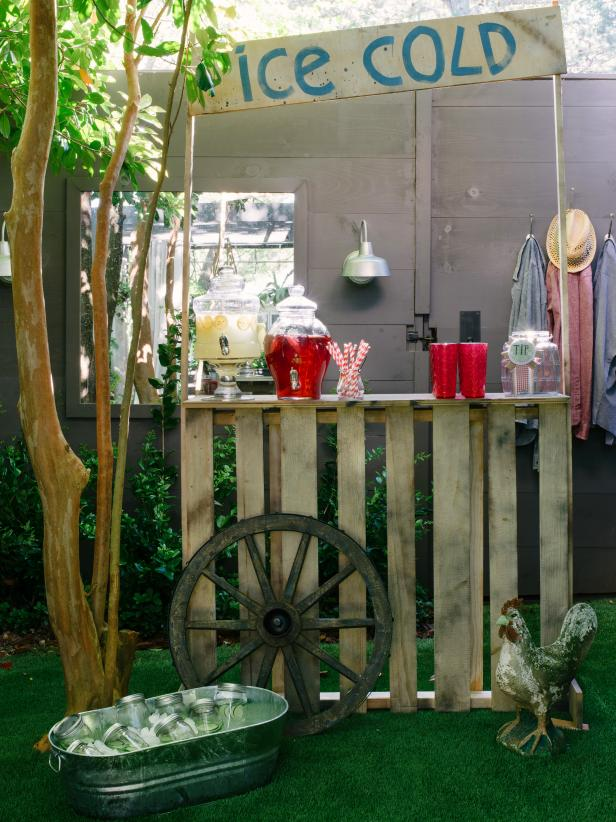 Orignal-Western-BBQ-Wedding-Shower_lemondade-stand_3x4