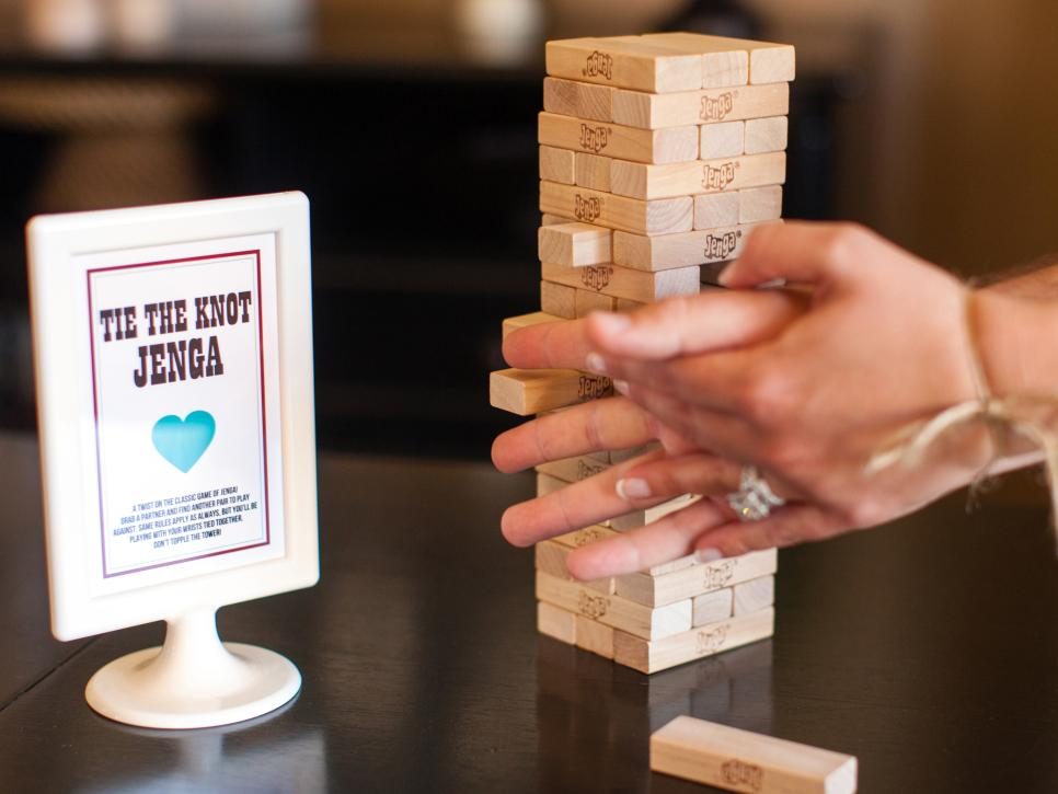 Wedding Gifts For Active Couples : 20 Bridal Shower Games and Activities DIY