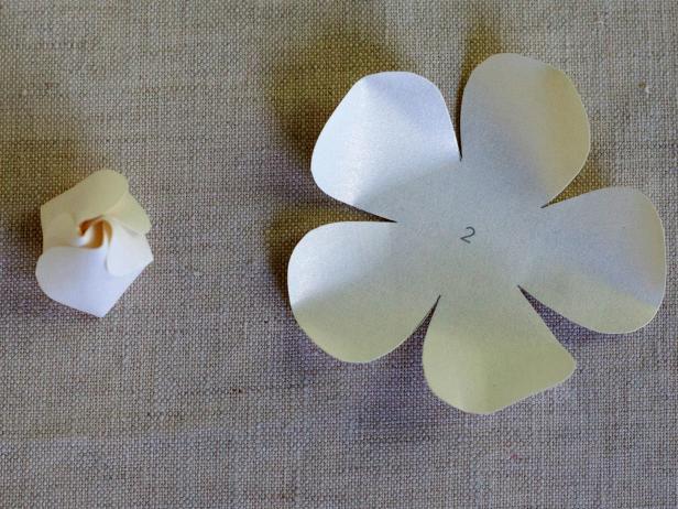 CI-Lia-Griffith_Gardenia-cut-petal-folded-Step4_4x3
