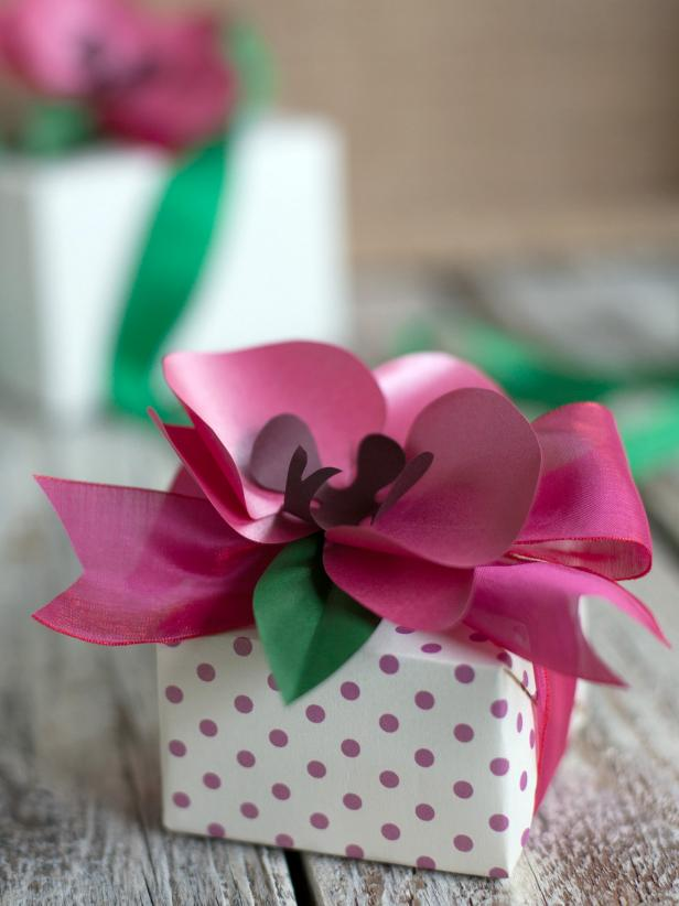 CI-Lia-Griffith_Paper-Orchid-Pink-Gift-Topper_3x4