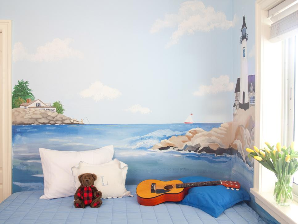 Creating a wall mural in a kid 39 s room diy for Creating a mural