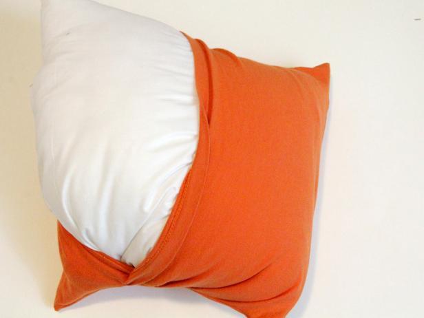 CI-Jess-Abbott_Pillows-made-from-T-shirts-add-stuffing-step6_4x3