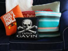 CI-Jess-Abbott_Pillows-made-from-T-shirts_4x3