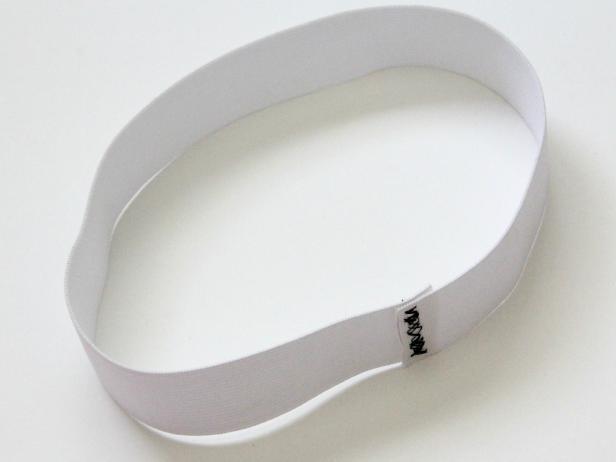 CI-Jess-Abbott_Tulle-Tutu-sew-elastic-loop-Step1_4x3