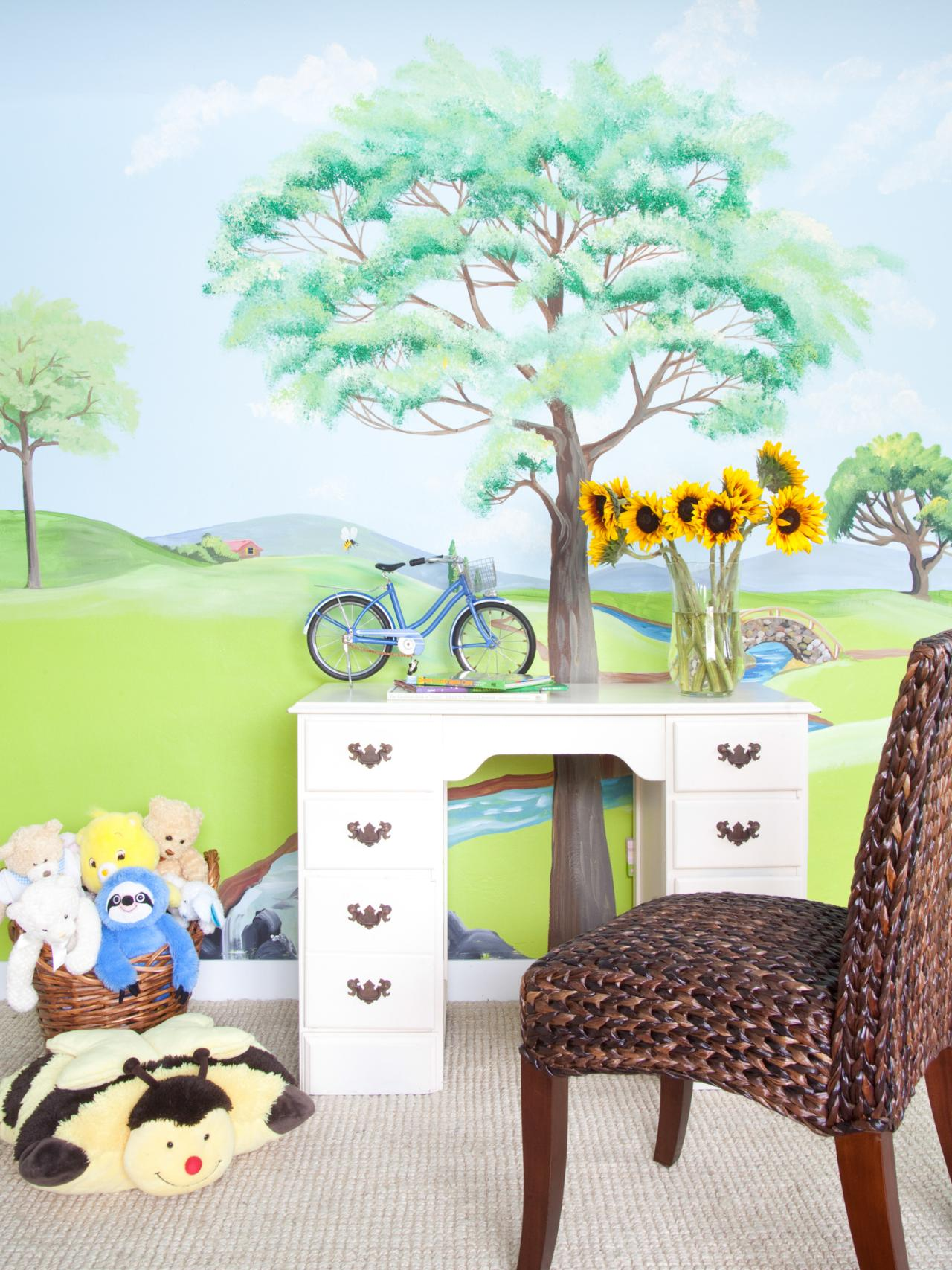 Tips and tricks for creating wall murals in a kid 39 s room diy for Diy wall photo mural