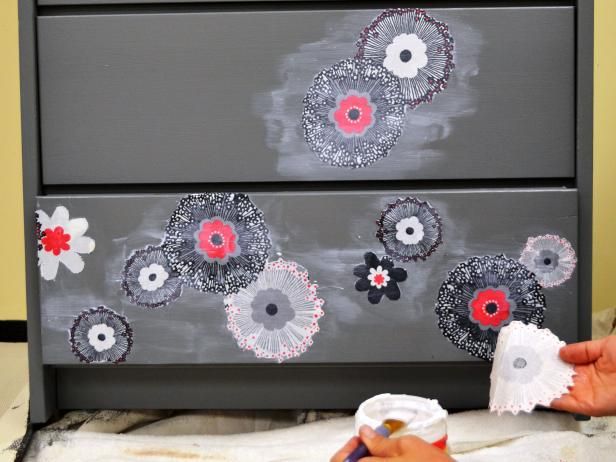Original-fabric-dresser_decoupage-flowers-step7_4x3