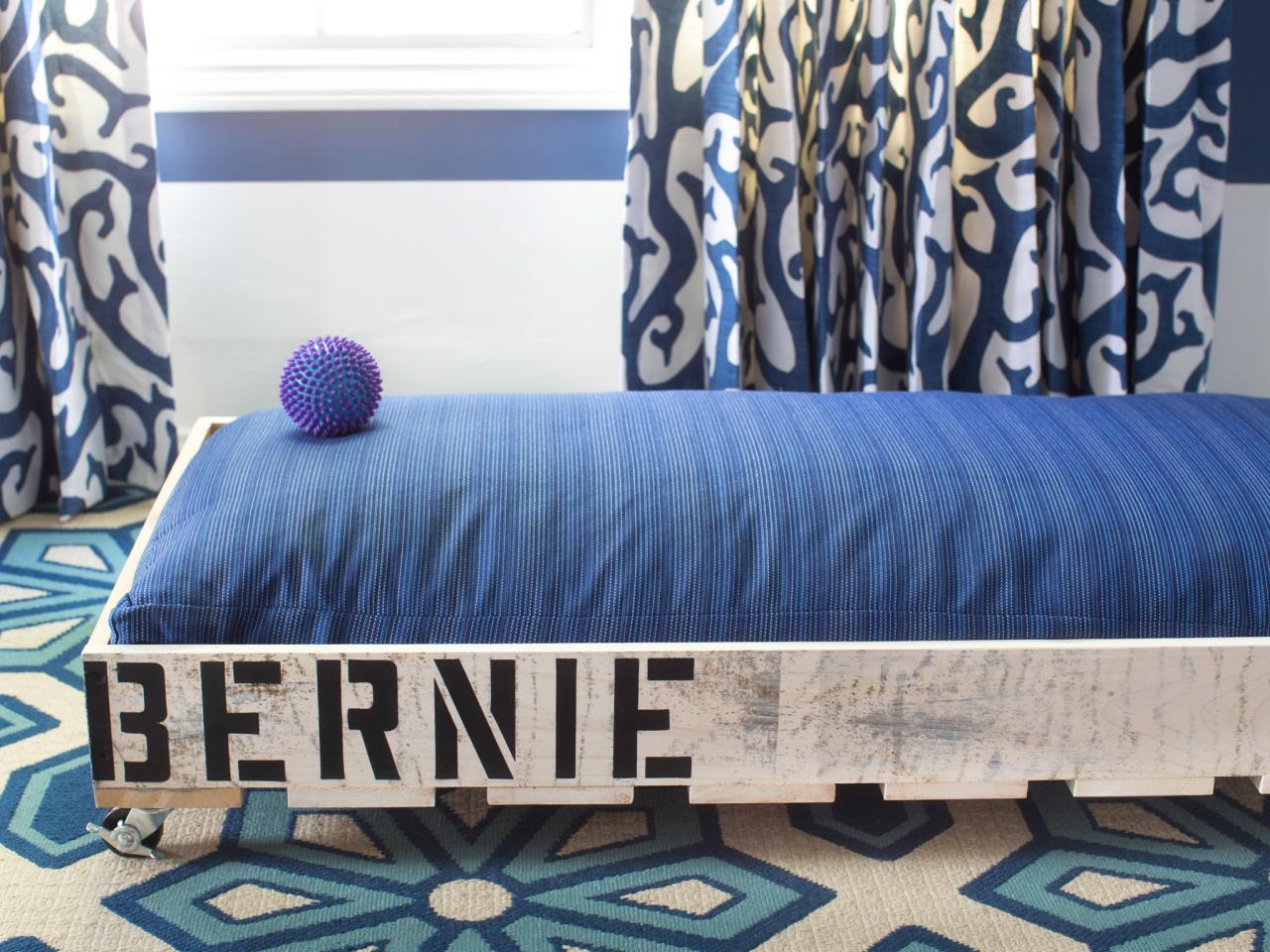 Diy Mobile Pallet Dog Bed