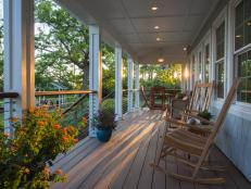 diy_bc13_waterside-porch_01_side-view-evening_h