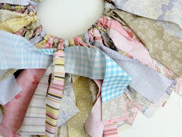 CI-Jess-Abbott_Upcycled-Tutu-tie-and-push-fabric-strips-elastic-Step13_4x3