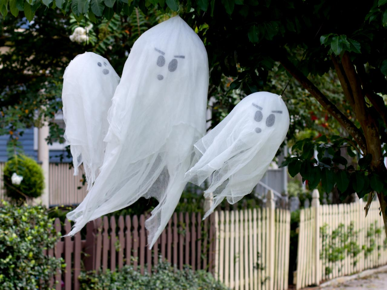 how to make hanging halloween ghosts - When To Decorate For Halloween