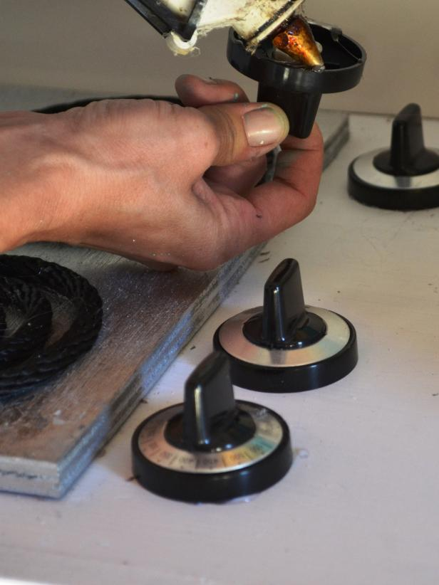 Original_toy-kitchen-add-stove-knob-step18_v