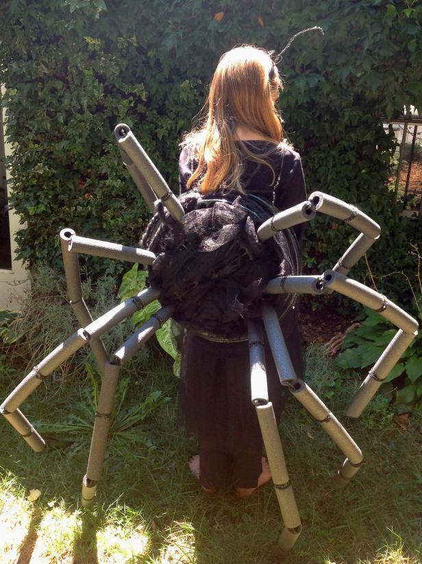 CI-Manvi-Drona-Spider-Halloween-Costume-back_v