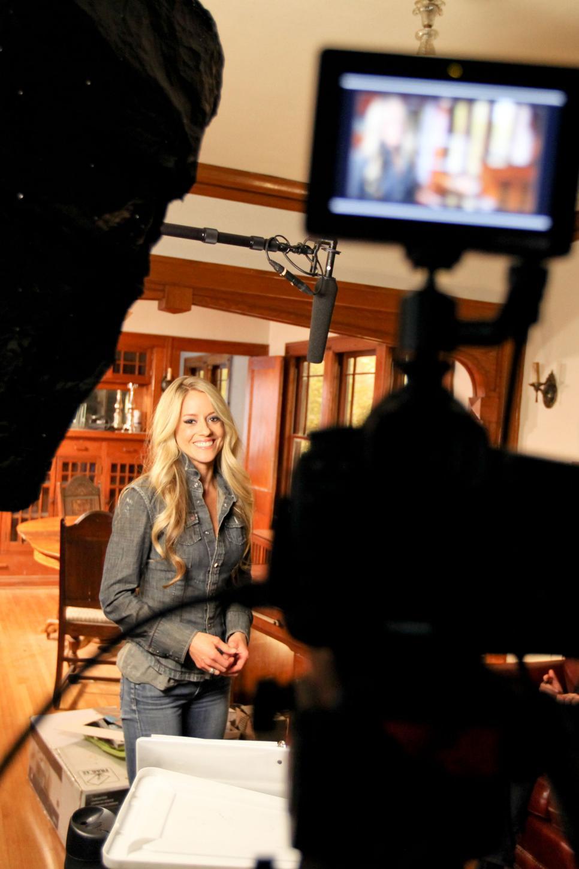 Nicole curtis behind the scenes v jpg rend hgtvcom 966 1449 jpeg