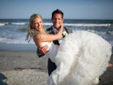 talentmaster_DIY-Chris-Lambton-Holds-Peyton-Wright-Beach-Wedding_s4x3