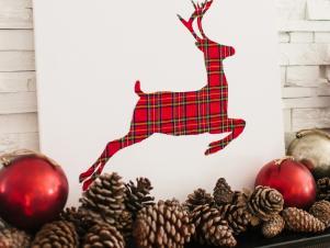 Original-TomKat_Christmas-fireplace-mantel-traditional-reindeer-art_v
