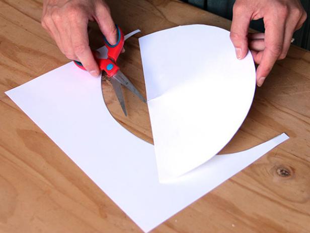 CI-Ellen-Foord_Christmas-Tree-Paper-Cone-Step4_h