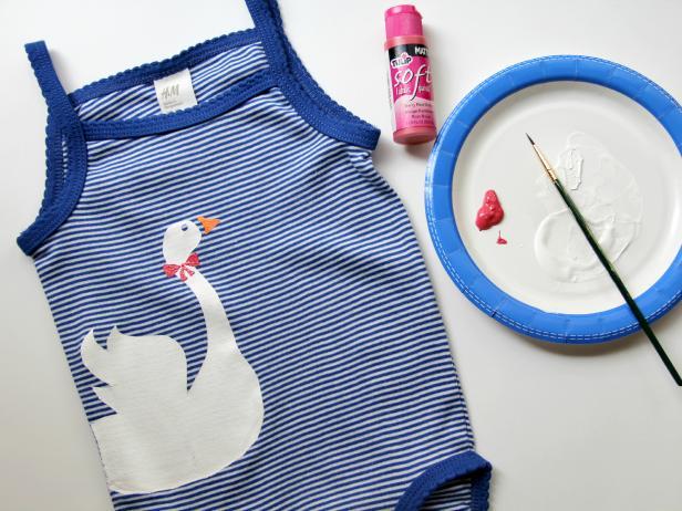 CI-Jess-Abbott_blue-baby-onesie-paint-details8_h