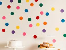 CI-Rennai-Hoefer_Sprinkle-baby-showers-cake-donuts_v