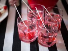 CI-Michelle-Kim_heart-baby-shower-for-multiples-drinks9_h