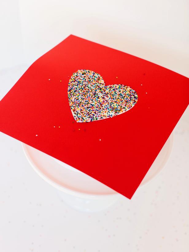 CI-Rennai-Hoefer_sprinkles-cake-template-filled_v