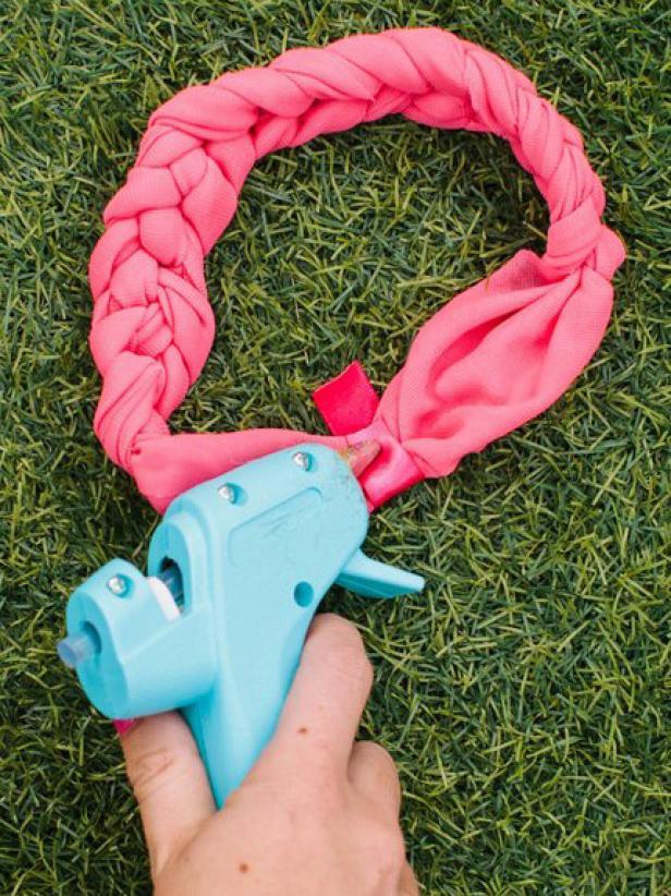 CI-Rennai-Hoefer_braided-headband-end-piece-hot-glue_v