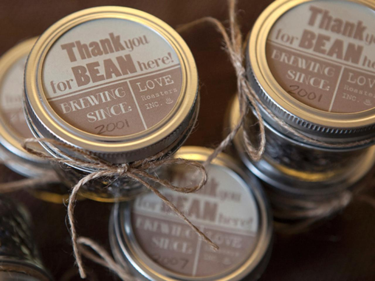14 DIY Wedding Favors Your Guests Will Actually Want ...