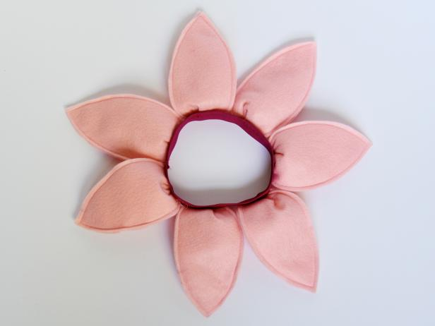 CI-Carla-Wiking_Halloween-dog-costume-flower-bend-back-petals-step7_h