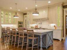 CI-McGilvrayWoodworks_hgrm-room-stories-French-Country-kitchen-JDK0269_h