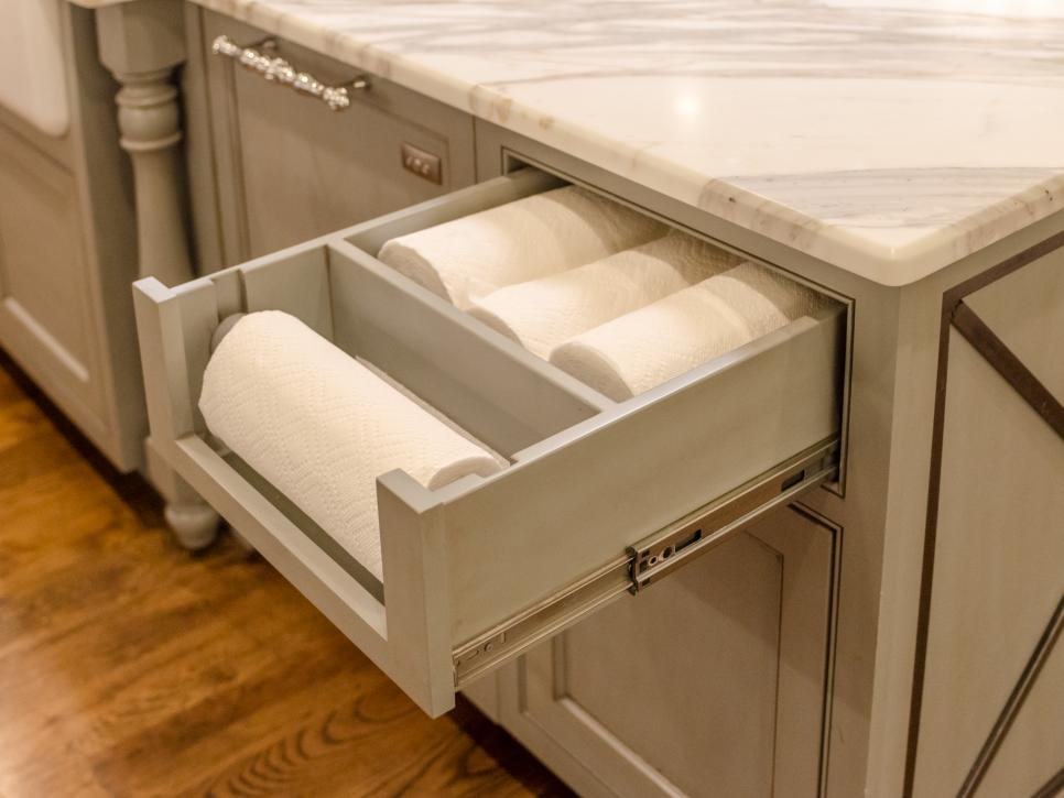 29 clever ways to keep your kitchen organized diy for Kitchen cabinets with drawers