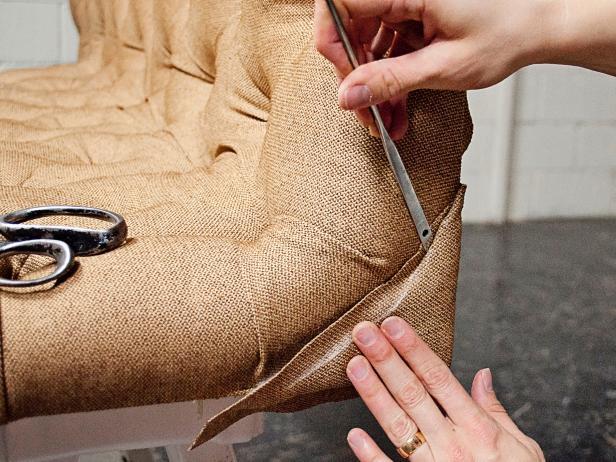 CI-Kerri-Pearson-Photography_Wing-Back-Headboard-tuck-excess-fabric-into-Pli-Grip26_h