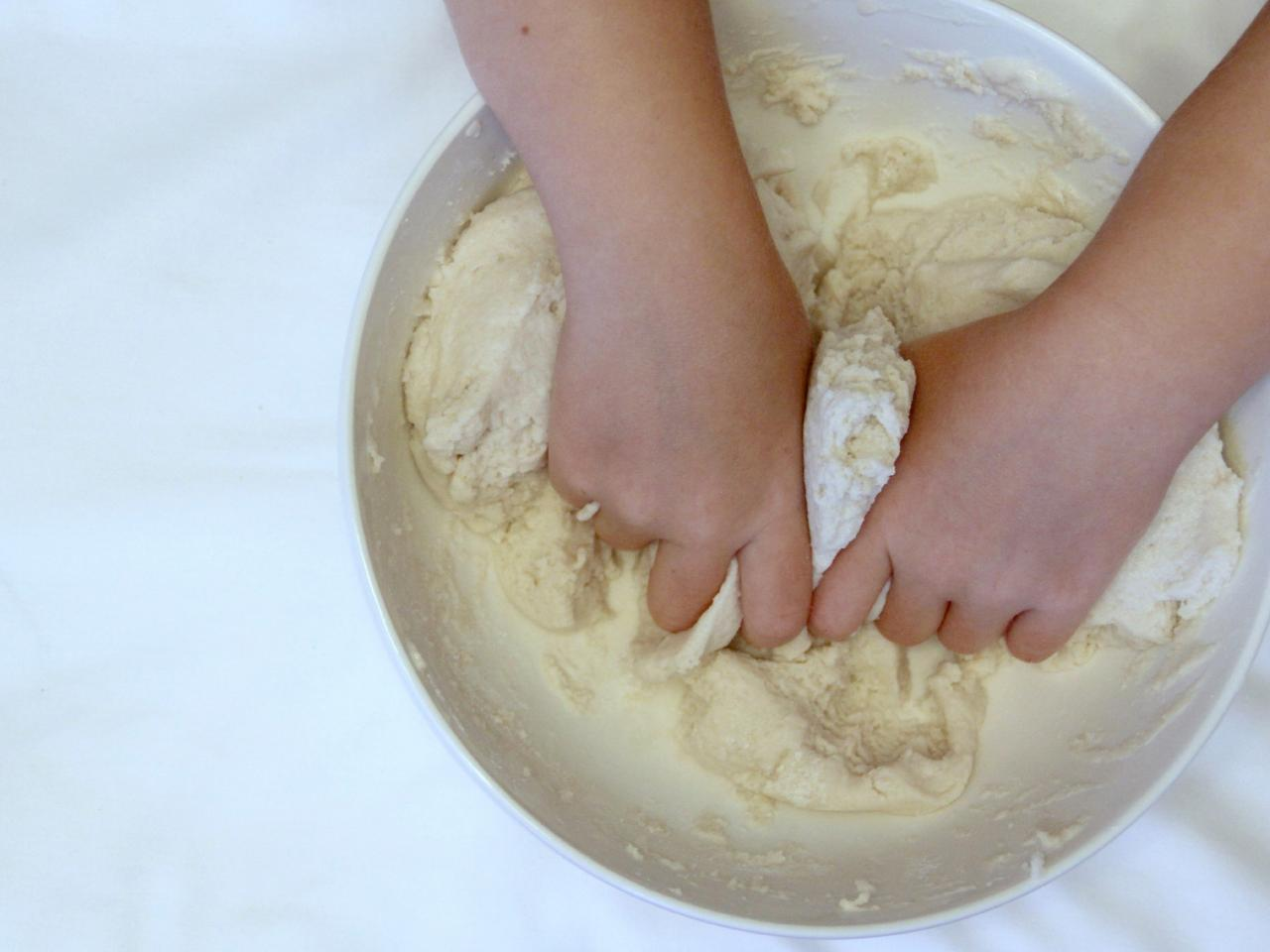 Salt-Dough Handprint Christmas Ornaments | how-tos | DIY