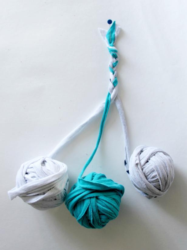 CI-Jess-Abbott_Braided-Rug-braid-step7_v