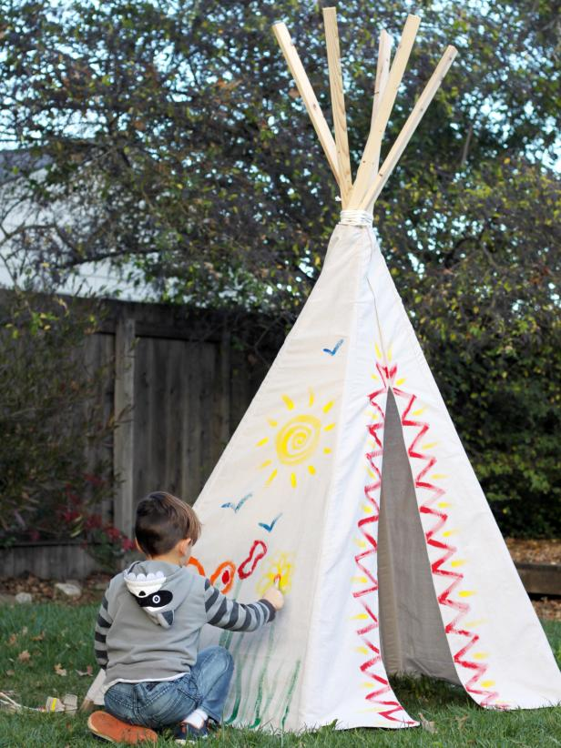 CI_Carla-Wiking_Canvas-Drop-Cloth-Teepee-painting_v