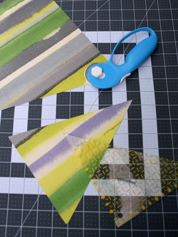 Original-617Media_two-sided-fabric-bunting-step2_v