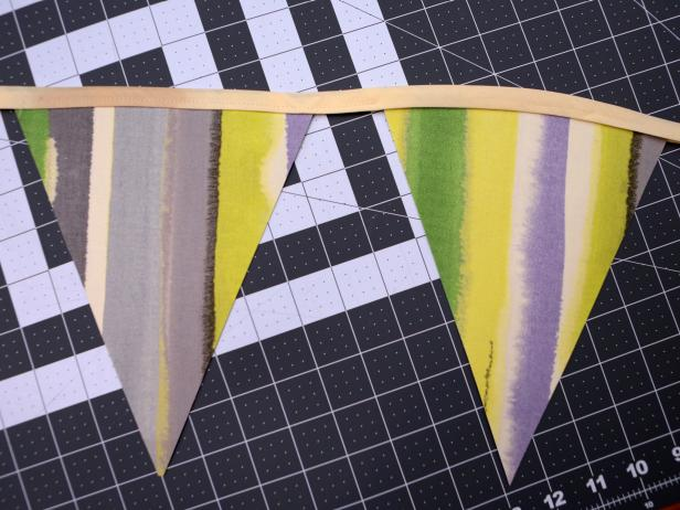 Original-617Media_two-sided-fabric-bunting-step7_h